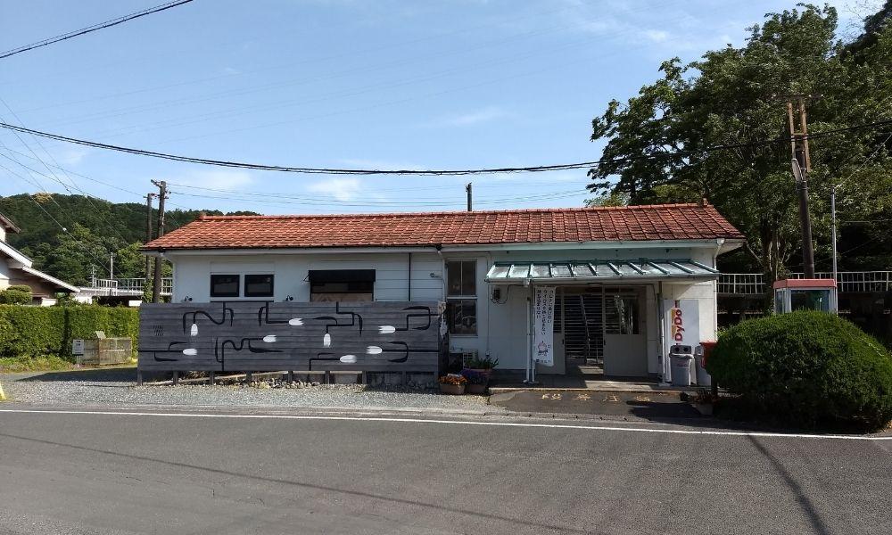 シンエヴァンゲリオン・ケンケンハウスのモデルとなった二俣本町駅