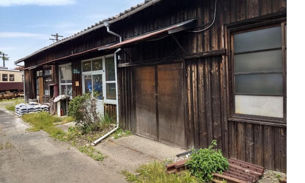 シンエヴァンゲリオン・トウジの診療所のモデルとなった天竜二俣駅転車台横の旧事務所
